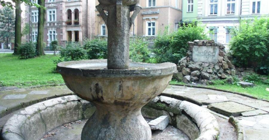 Fontanna w Paczkowie - zdjęcie