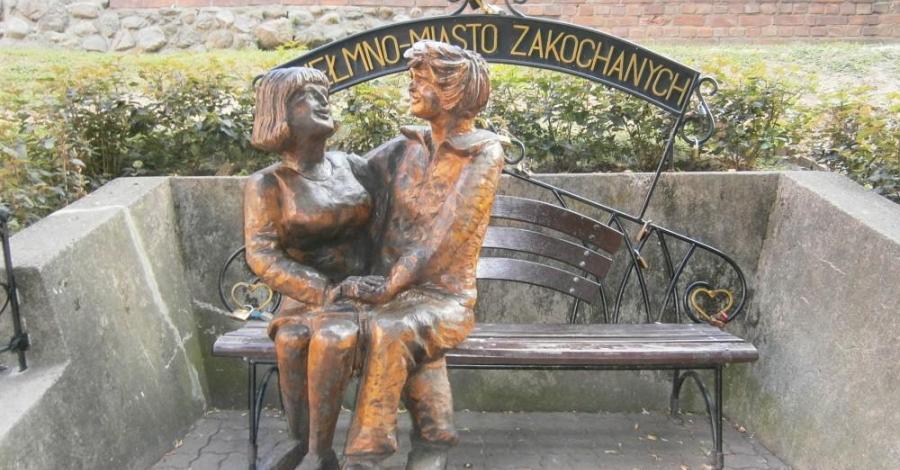Ławeczka zakochanych w Chełmnie - zdjęcie