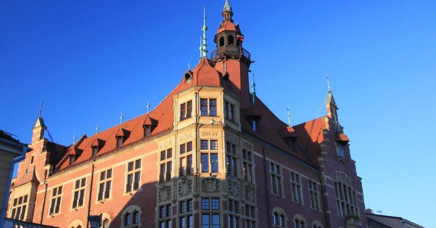 Ratusz w Tarnowskich Górach - zdjęcie