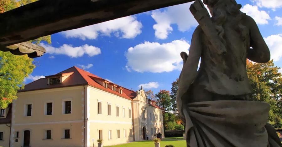 Zamek w Starych Tarnowicach, Anna Piernikarczyk