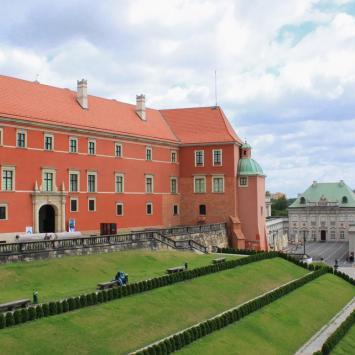 Zamek Warszawa, Anna Piernikarczyk