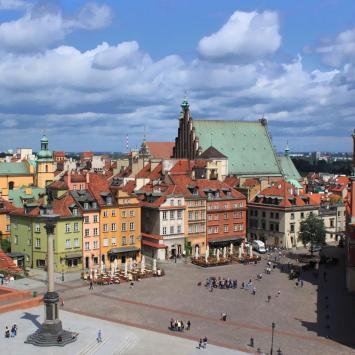 Plac Zamkowy w Warszawie, Anna Piernikarczyk