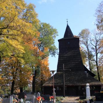 Drewniany kościół w Zamarskach