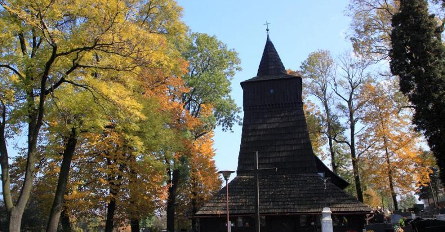 Drewniany kościół w Zamarskach - zdjęcie