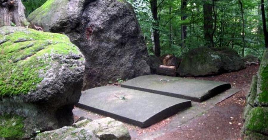 Grobowce rodziny von Reuss w Kowarach - zdjęcie