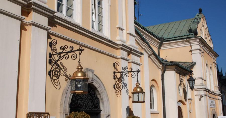 Muzeum 600-lecia Jasnej Góry, Anna Piernikarczyk