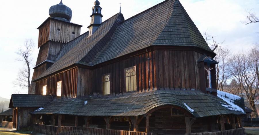 Drewniany kościół w Lachowicach - zdjęcie