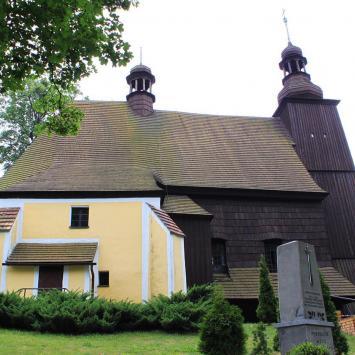 Drewniany kościół w Sierotach