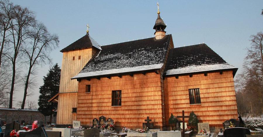 Drewniany kościół w Szałszy - zdjęcie