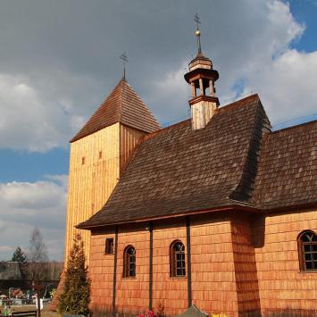 Drewniany kościół w Bruśku