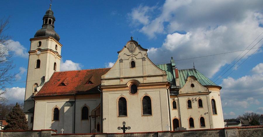 Kościół w Tworogu - zdjęcie