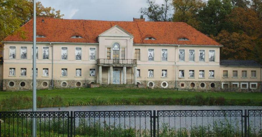 Pałac w Owińskach - zdjęcie