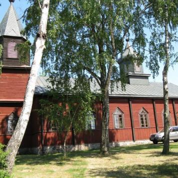 Drewniany kościół w Gibach