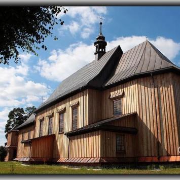 Drewniany kościół w Hucie Krzeszowskiej