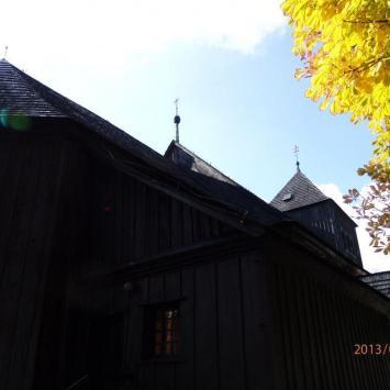 Drewniany kościół w Kiszkowie