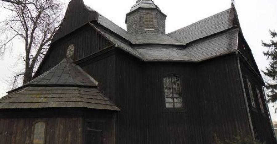 Drewniany kościół w Buku - zdjęcie