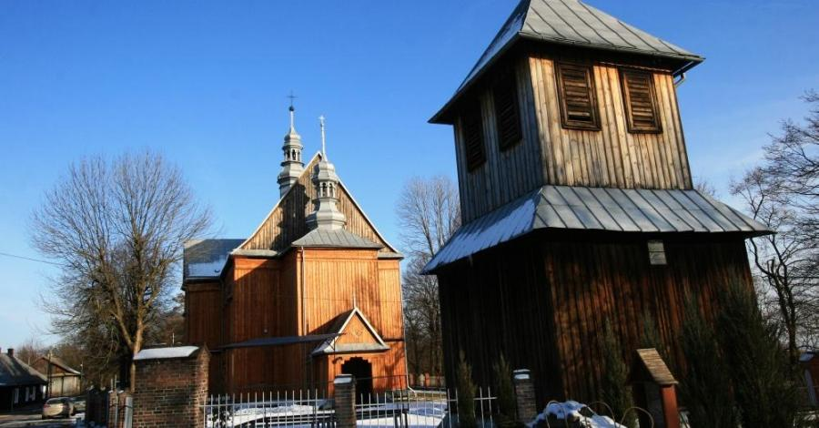 Drewniany kościół w Krzeszowie - zdjęcie