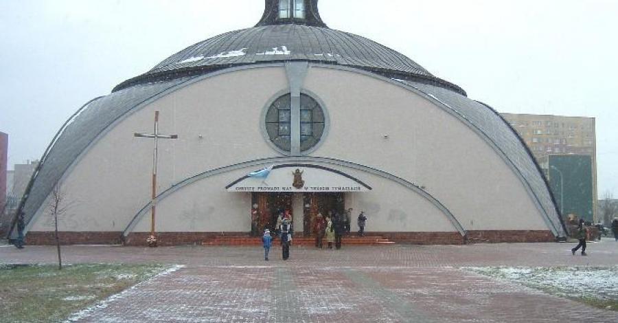 Kościół Iglo w Stalowej Woli - zdjęcie