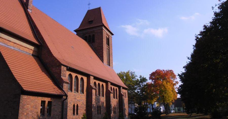 Kościół w Jastrzębsku Starym - zdjęcie