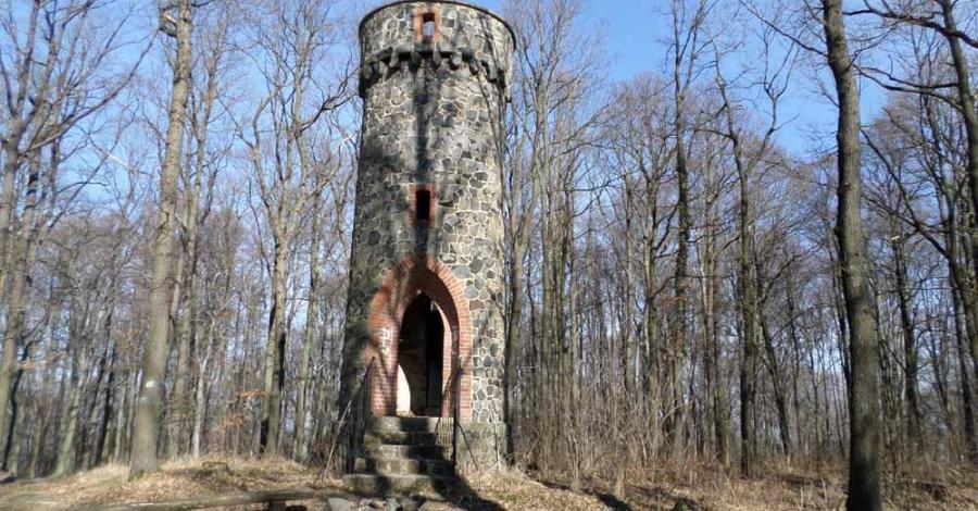 Wieża na Bazaltowej Górze w Paszowicach - zdjęcie