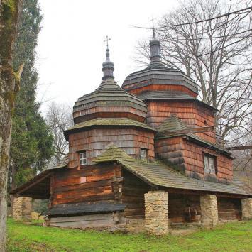Drewniana cerkiew w Piątkowej
