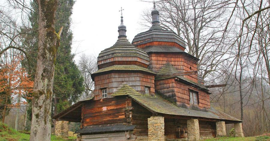 Drewniana cerkiew w Piątkowej - zdjęcie