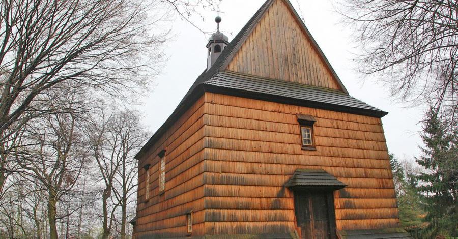 Drewniany kościół w Bachórcu - zdjęcie