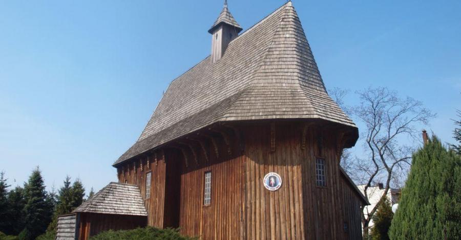 Drewniany kościół w Łaszewie Rządowym - zdjęcie