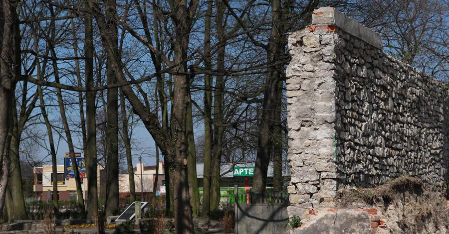 Mury w Strzelcach Opolskich - zdjęcie