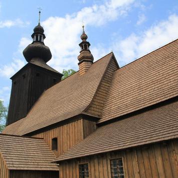 Drewniany kościół w Ćwiklicach