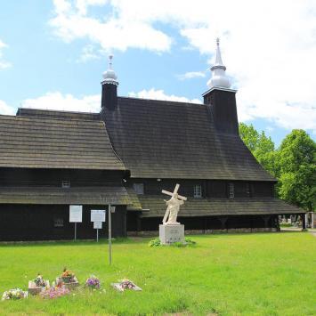 Drewniany kościół w Oleśnie