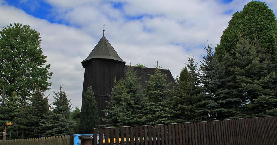 Drewniany kościół w Boroszowie - zdjęcie