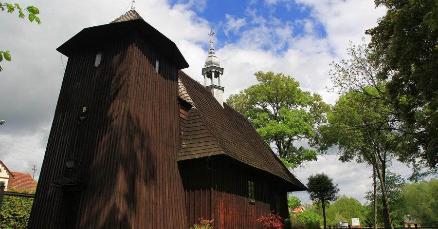 Drewniany kościół w Gaszynie - zdjęcie