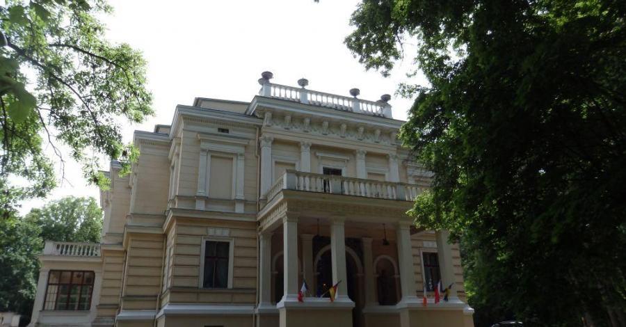 Pałac w Biedrusku - zdjęcie