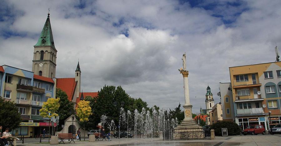 Rynek w Oleśnie - zdjęcie