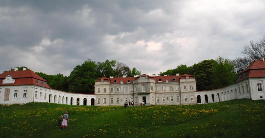 Pałac w Narolu - zdjęcie