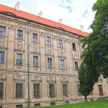 Klasztor w Lubiążu, Anna Piernikarczyk