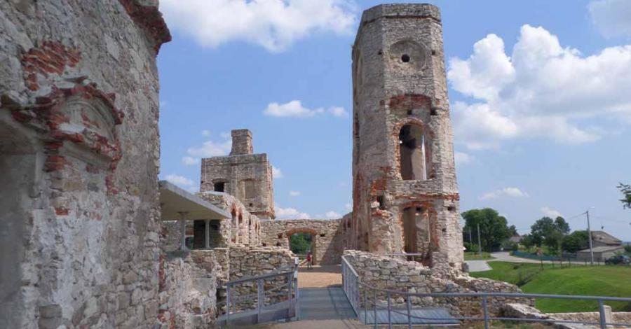 Zamek Krzyżtopór w Ujeżdzie - zdjęcie