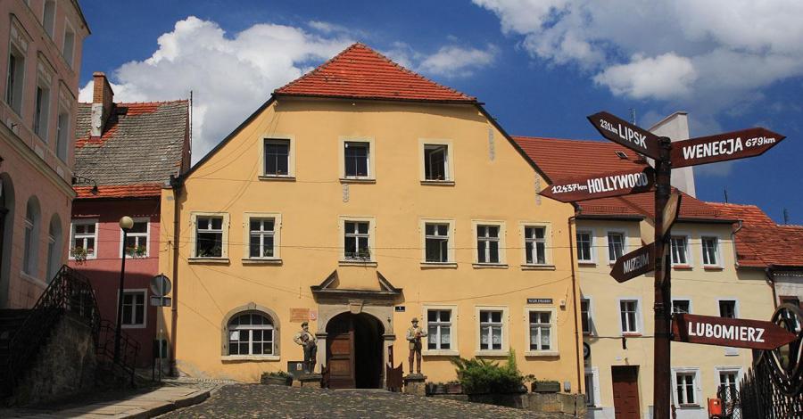 Muzeum Kargula i Pawlaka w Lubomierzu - zdjęcie