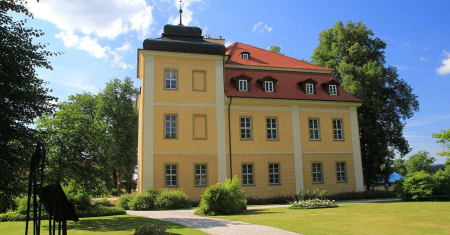 Pałac Łomnica, Anna Piernikarczyk