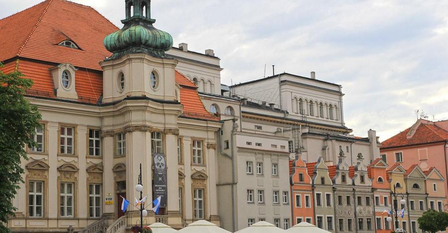 Stary Ratusz w Legnicy - zdjęcie