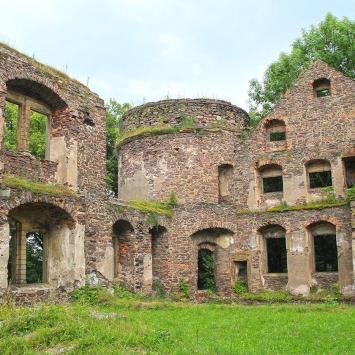Zamek w Świnach, Anna Piernikarczyk