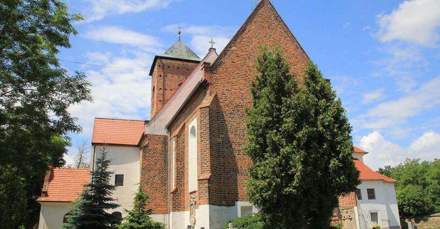 Romański kościół w Sośnicy - zdjęcie