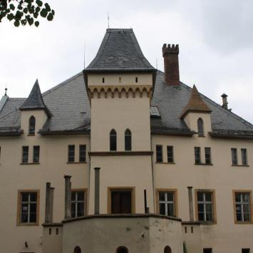 Pałac na wodzie w Wojcieszowie