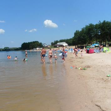 Plaże nad Jeziorem Chańcza w Korytnicy