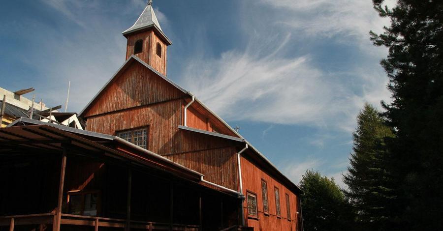 Drewniany kościół w Dęblinie - zdjęcie
