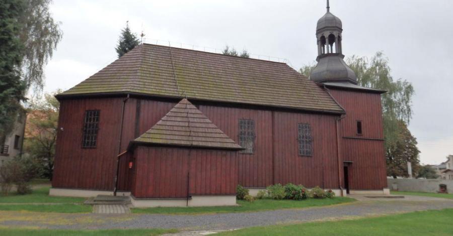 Drewniany kościół w Obrze - zdjęcie