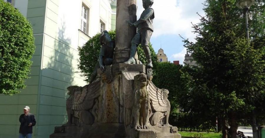 Fontanna w Gryfowie Śląskim - zdjęcie