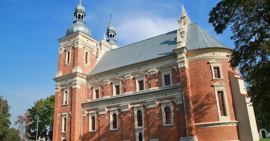 Kościół w Gołębiu - zdjęcie