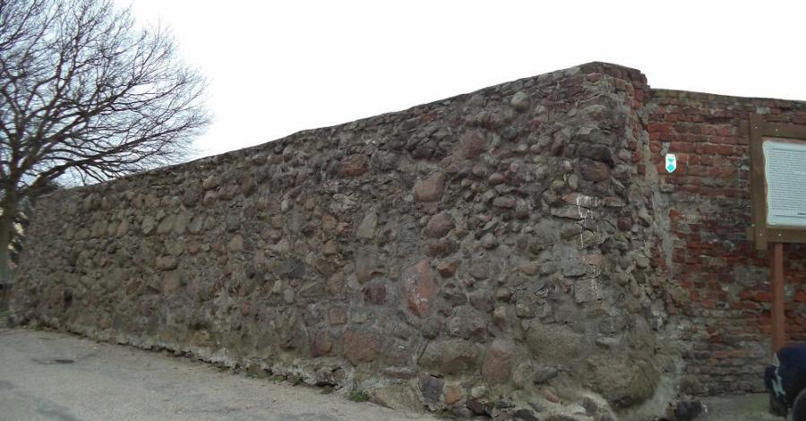 Mury obronne w Drawsku Pomorskim - zdjęcie